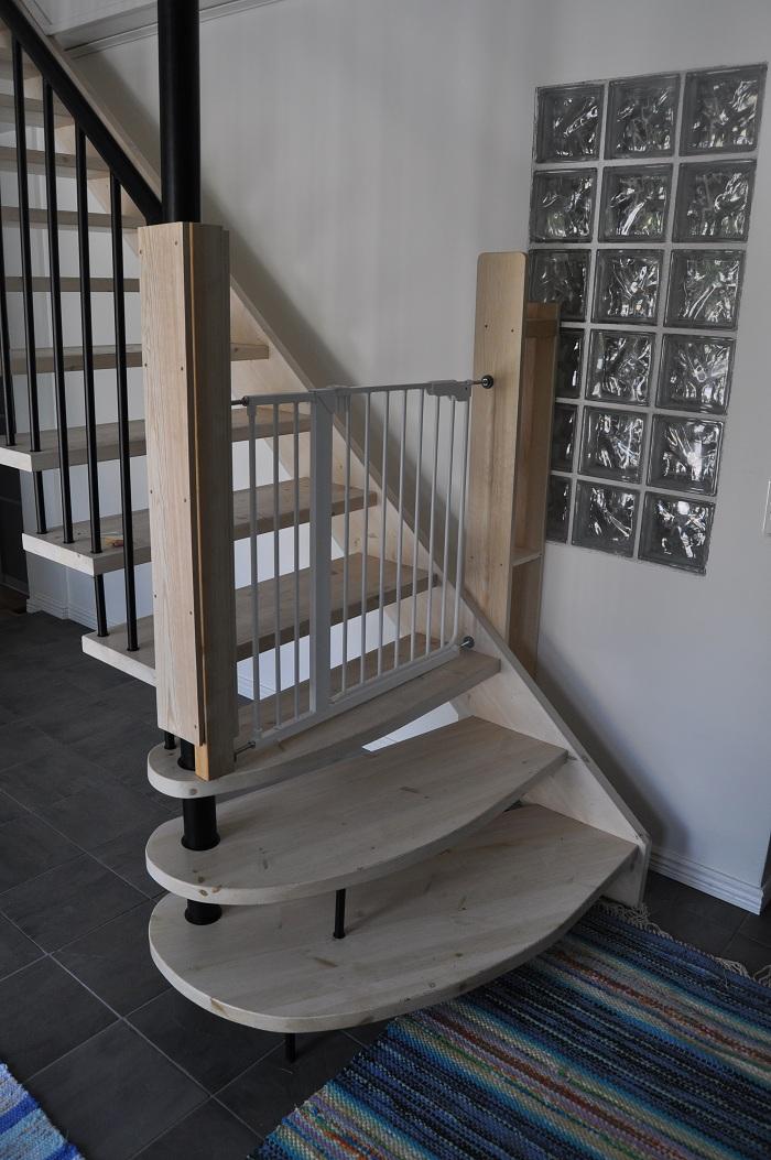 Kanon Barngrindar till trappen till övervåningen | MIAS INREDNING LI-89